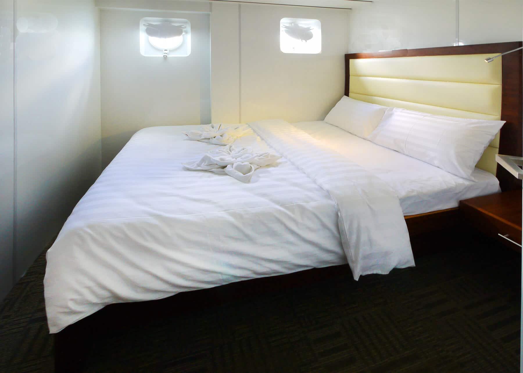 Standard Cabin - Queen Bed