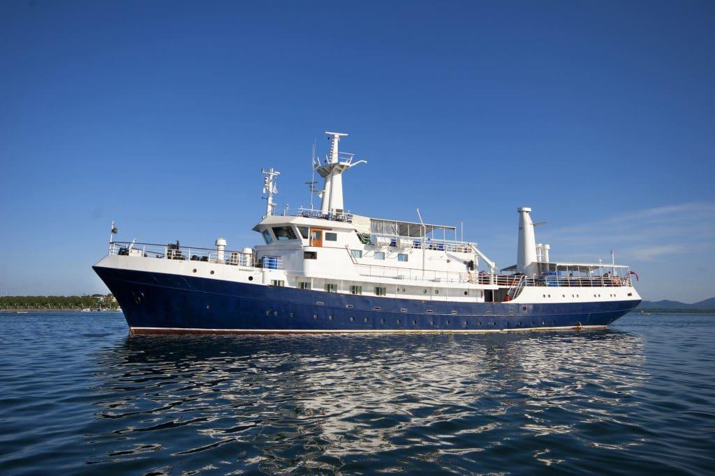 going on a liveaboard vessel